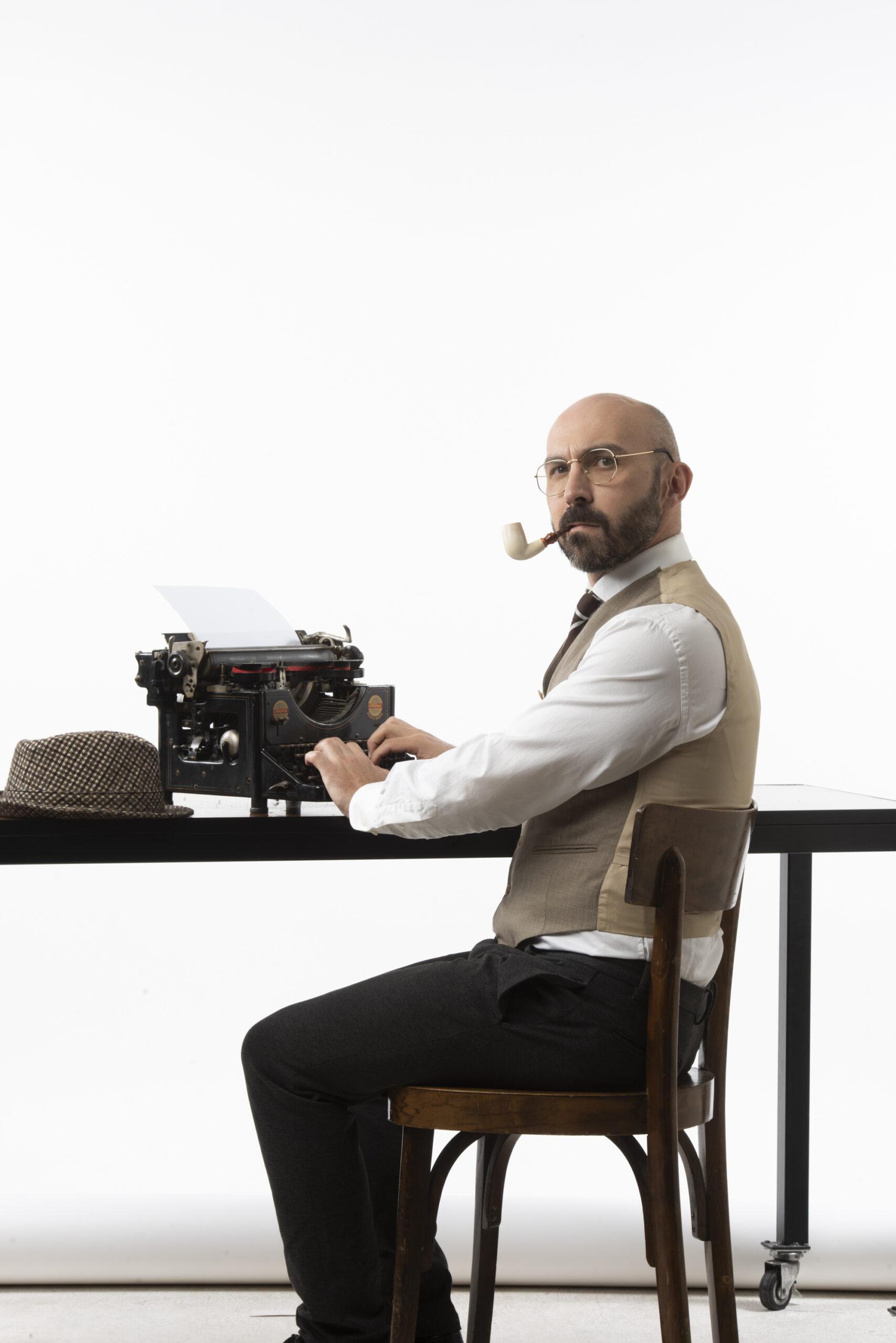 MACCIO macchina scrive